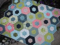Jaybird Quilts: hexagon quilt along... block #1
