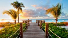 Free HD Wallpapers for your computer: Ramp access to the beach
