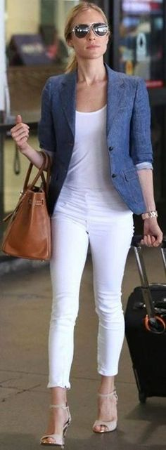 Best 40 Women's White Denim Casual Outfits Style Ideas to Inspire Every Women Blazer Jeans, Look Blazer, Chambray Blazer, Chambray Shirts, Blue Blazer Outfit, White Pants Outfit, White Shirts, Casual White Jeans Outfit Summer, White Capri Outfits