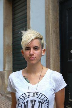 anarchick ana   Flickr - Photo Sharing! Hair Cuts, Mens Tops, T Shirt, Beauty, Fashion, Haircuts, Supreme T Shirt, Moda, Tee Shirt