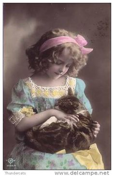 Grete and cat Éphémères Vintage, Photo Vintage, Vintage Ephemera, Vintage Girls, Vintage Beauty, Vintage Postcards, Vintage Children Photos, Vintage Pictures, Vintage Images