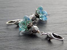 Ohrringe - Glasblüte in Blau und Grün von Perlenfontäne auf DaWanda.com