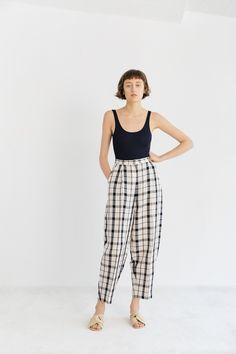 Parachute Pants, Trousers, Book, Fashion, Trouser Pants, Moda, Pants, Fashion Styles, Book Illustrations
