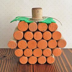 DIY Wine Cork Pumpkin Tutorial - Decor by the Seashore Wine Cork Wreath, Wine Cork Ornaments, Wine Cork Art, Wine Cork Crafts, Wine Bottle Crafts, Wine Bottle Incense Burner, Elderly Crafts, Giraffe Crafts, Wine Cork Projects