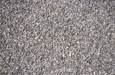 How to Border a Gravel Driveway
