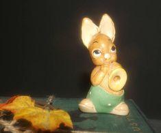 PenDelfin vintage 1980s rabbit figurine named Phumf playing