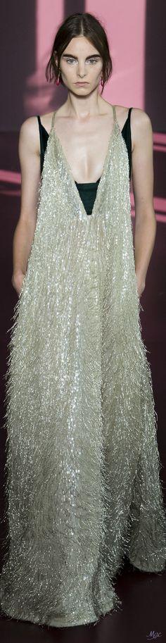 Fall 2017 Haute Couture Valentino