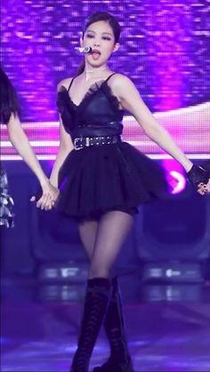 Black Pink Songs, Black Pink Kpop, Kpop Girl Groups, Kpop Girls, Youtube Blackpink, Wonder Woman Pictures, Blackpink Poster, Blackpink Funny, Black Pink Dance Practice
