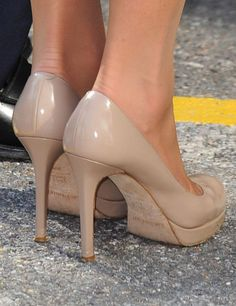 Kate Middleton, give me your shoes.