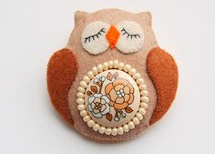 Brooch - OWL. $18.00 USD, via Etsy.
