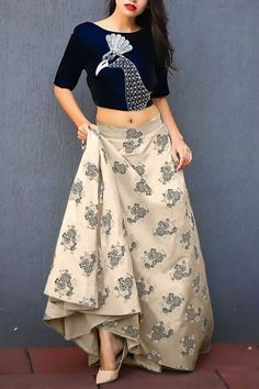 Latest Collection of Lehenga Choli Designs in the gallery. Lehenga Designs from India's Top Online Shopping Sites. Indian Lehenga, Bollywood Lehenga, Lehenga Choli Online, Lehenga Blouse, Ghagra Choli, Silk Lehenga, Choli Dress, Green Lehenga, Dress Skirt