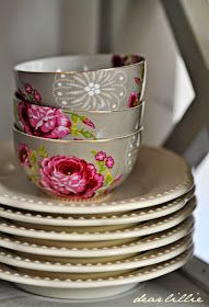 Heritage Lace - PiP Studio by Dear Lillie Bowls, Cottages And Bungalows, Dear Lillie, Everyday Dishes, Pip Studio, Cooking Gadgets, Pink Accents, Rose Cottage, Happy People