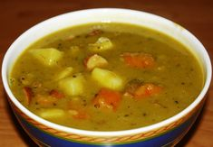 German Split Pea Soup we call in German: Erbseneintopf - This is another great soup that you will like. Authentic German recipe from Germany. Kale Soup, Soup And Salad, Cooker Recipes, Soup Recipes, Typical Dutch Food, How To Cook Cauliflower, Split Pea Soup Recipe, Pea And Ham Soup, Dutch Recipes