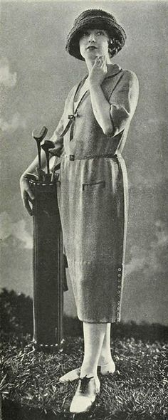 A stylish 1921 Bonwit Teller golf outfit. #vintage #fashion #1920s #sports