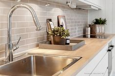 Kjøkken | Inspirasjonskategorier | FagFlis Living Room Kitchen, New Kitchen, Kitchen Interior, Home And Living, Modern, Sink, Interior Design, Oslo, House Styles