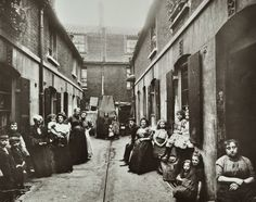 SLUM HOUSING IN PROVIDENCE PLACE 1909.Slums - The British Library