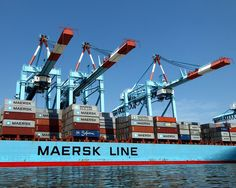 Maersk Montana Container Ship at APM Container Terminal, Newark, Port Elizabeth, New Jersey by jag9889 via Flickr
