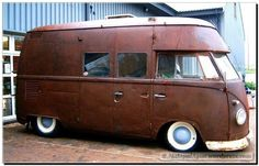 Volkswagen Bus, Vw T1, Bus Camper, Campers, Kombi Home, Rat Look, Weird Cars, Motorhome, Automobile