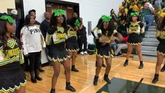 ***Words Included*** Cute Stomp and Shake Cheers for Sideline! Cheerleading Chants, Cheerleading Uniforms, Cheer Jumps, Cheer Stunts, Choreography Videos, Dance Videos, Cheer Dance Routines, Cheer Qoutes, Black Cheerleaders