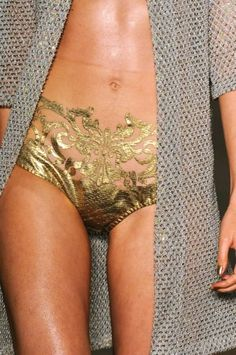 Gold lamé briefs. Adriana Degreas Intimates ~ lingerie - God this is so pretty and sexy and and I want Belle Lingerie, Sexy Lingerie, Corsets, Sexy Bikini, Looks Style, My Style, Adriana Degreas, Fashion Details, Fashion Design