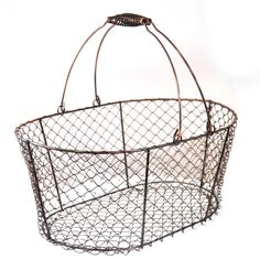 Amazing website with inexpensive baskets, storage, and home goods Inexpensive Home Decor, Cheap Home Decor, Diy Home Decor, Wire Storage, Storage Baskets, Shabby Chic Vintage, Home Decor Websites, Metal Baskets, Copper Basket