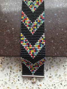 pixels I wanted showing you making a bracelet with natural stone and leather thread with video. Loom Bracelet Patterns, Bead Loom Bracelets, Bead Loom Patterns, Beaded Jewelry Patterns, Peyote Patterns, Bead Loom Designs, Motifs Perler, Beading Patterns Free, Beading Ideas