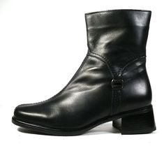 $450 LA CANADIENNE BOOTS SIZE 9.5 Black Leather Ankle Booties *EXCELLENT* SZ 9.5 #LaCanadienne #AnkleBoots