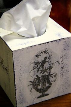 SHABBY CHIC WOODEN TISSUE BOX HOLDER WITH FRENCH PARIS MOTIFS