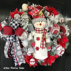 Learn how to make the ordinary home, EXTRAordinary with wreath making tutorials, diy wreaths, and simple home decor projects! Artificial Christmas Wreaths, Christmas Wreaths To Make, Christmas Snowflakes, How To Make Wreaths, Christmas Tree Decorations, Christmas Crafts, Christmas Trees, Christmas Christmas, Wreath Making