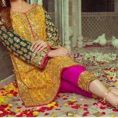 69 Most Popular Ideas Pakistani Wedding Dresses For Girls Style Pakistani Bridal Dresses Online, Pakistani Mehndi Dress, Pakistani Party Wear Dresses, Bridal Mehndi Dresses, Simple Pakistani Dresses, Pakistani Wedding Outfits, Bridal Dress Design, Pakistani Bridal Wear, Pakistani Dress Design