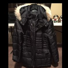 Andrew Marc parka down coat Andrew marc down coat worn once really brand new ! Fox fur detachable hood black size men's large . Not bulky Andrew Marc Jackets & Coats