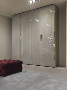 45 Creative Bedroom Wardrobe Design Ideas That Inspire On 45 Creative Bedroom Wardrobe Design Ideas That Inspire OnLike everything else in life, there are those who were born to plan out bedrooms an Wardrobe Design Bedroom, Bedroom Bed Design, Bedroom Furniture Design, Modern Wardrobe, Bedroom Wardrobe, Wardrobe Closet, Wardrobe Ideas, Bedroom Modern, Trendy Bedroom