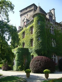 Château de Pesteils à Polminhac-Cantal