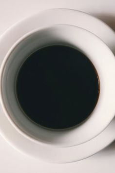 Discover our great selection of free coffee stock photos. Find pictures of coffee mugs, coffee beans, coffee cups, and more unique coffee images. Coffee Stock, Coffee Type, Coffee To Water Ratio, Best Coffee Roasters, Coffee Shop Menu, Black Liquid, Coffee Health Benefits, Coffee Photos, Oils For Skin