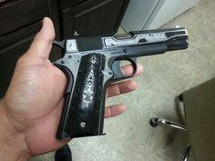 Colt 1911 Aztec