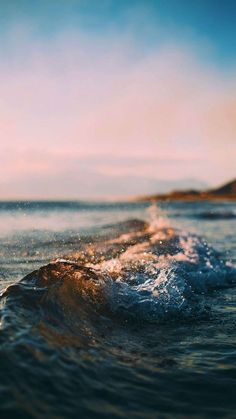 9 Best Ocean iPhone XS Wallpapers - best blue sea water backgrounds for your inspiration - awesome nature, sun, the beach Strand Wallpaper, Sunset Wallpaper, Iphone Background Wallpaper, Tumblr Wallpaper, Nature Wallpaper, Waves Wallpaper, Underwater Wallpaper, Ocean Underwater, Iphone Wallpaper Beach