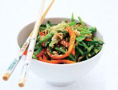 Ensalada china de judías verdes, tirabeques y pimiento rojo