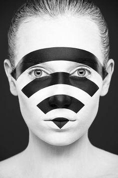 """Weird Beauty"" du photographe russe Alexander Khokhlov en collaboration avec la make-up artist Valeriya Kutsan"