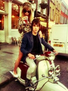 Modern Mods: Miles Kane and Suki Waterhouse Mod Scooter, Scooter Girl, Mod Fashion, 1960s Fashion, Tailor Made Suits, Mod Girl, Swinging London, Suki Waterhouse, Arctic Monkeys