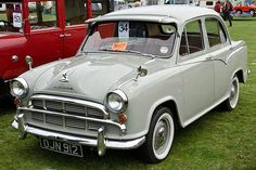 Morris Oxford (1958)  I have never seen this car before....love it!