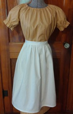 Pioneer Costume for Girls, dress, bonnet  and apron.  Size 10-12 .By BonnetsandDresses