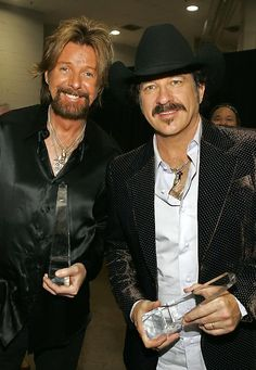 BROOKS AND DUNN...Houston Rodeo