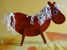 Plus de 1000 id es propos de cheval poney sur - Activite pince a linge maternelle ...