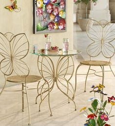 Our metal Butterfly Table and Chairs Set will be a lovely addition to any patio, deck or sunroom. The table's glass top is two feet across and sits steadily … Bistro Table Set, 3 Piece Bistro Set, Patio Bar Set, Patio Sets, Butterfly Table, Style Deco, Iron Furniture, Iron Table, Metal Chairs