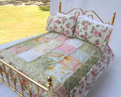 Miniature Quilt - Cottage Rose, with matching pillows 1:12 Scale. $36.00, via Etsy.
