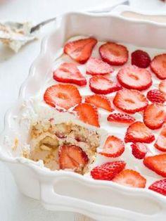 Tiramisu à la fraise et aux langues de chat : Recette de Tiramisu à la fraise et aux langues de chat - Marmiton