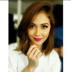 Acquire brand new hair care tips. Hair 4 U. 2015 Hairstyles, Hairstyles For Round Faces, Girl Hairstyles, Hairdos, Filipina Actress, Filipina Beauty, Maja Salvador, Hot Hair Styles, Asian Hair