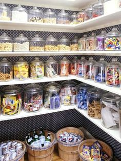 Love these glass canisters! Looks like a   candy store! Also would love some baskets to store potatoes and   onions