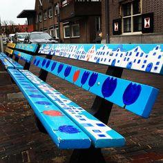 Hollandse bankjes #zandvoort #bankjes #bench #holland #tulips