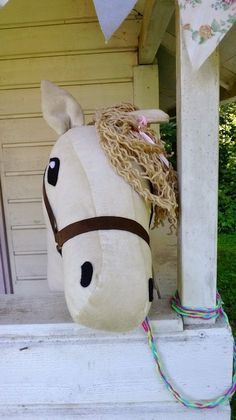 Stick horse / keppihevonen Stick Horses, Stacking Toys, Hobby Horse, Some Ideas, Sewing Patterns Free, Snoopy, Diy Projects, Party, Pink